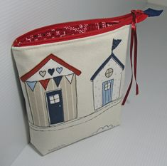 Friday Spotlight: Pam's Fabulous Beach Hut Pouches! — SewCanShe | Free Daily Sewing Tutorials