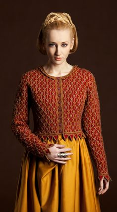 Jane Seymour hand knitwear design by Alice Starmore from the book Tudor Roses herrenpullover Jane Seymour Jane Seymour, Knitting Designs, Knitting Patterns, Sweater Patterns, Cardigan Pattern, Knitting Projects, Catwalk Design, Katherine Howard, Handgestrickte Pullover