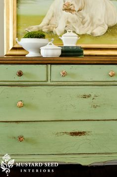 Miss Mustard Seed's newest Milk Paint color reveal: Lucketts Green is a very fresh, spring green that has a vintage feel. It sort of reminds me of jadite and counter top appliances. Annie Sloan Furniture, Redo Furniture, Painted Furniture, Green Dresser, Milk Paint, Furniture Rehab, Furniture Inspiration, English Decor, Dressers Makeover