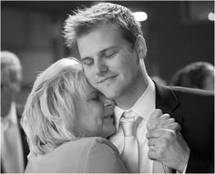 Best Mother Son Wedding Dance Ever Duo Wow Guests With Choreographed Routine