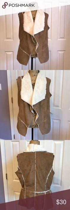 🎉 HP 🎉 NWT ME JANE Faux Fur Camel Vest XL 🎉 HOST PICK 🎉 Best in Outwear 🎉 3-24-2018 🎉 NWT ME JANE Faux Fur Camel Vest XL Pet-free, smoke-free home. Me Jane Jackets & Coats Vests
