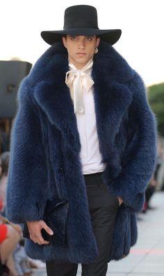 Style & Design Gallery: 20 Men Fur Coat for Serious Winter Fashion Week, Winter Fashion, Fashion Outfits, Fur Coat Outfit, Long Fur Coat, Fur Coats, Style Masculin, Mens Fur, Best Mens Fashion