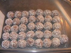 Christmas 2-Bite Snowballs