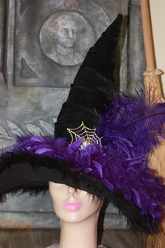 Purple feathers Witch Party, Halloween Witch Hat, Purple Halloween, Family Halloween Costumes, Holidays Halloween, Halloween Themes, Halloween Fun, Witches Night Out, Witch Costumes