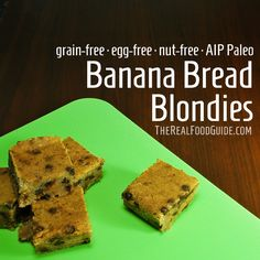 Paleo & vegan banana bread blondies - grain-free, egg-free & nut-free - The Real Food Guide therealfoodguide.com