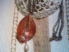 collana in rame, catenelle e perle