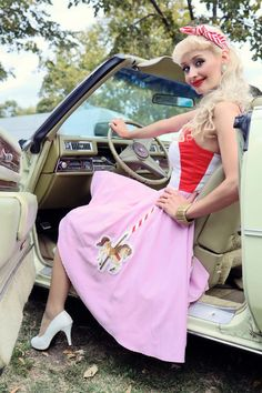 Carousel Dress: vintage style / pin-up / rockabilly knee-high dress by TiCCi Rockabilly Clothing Rockabilly Clothing, Rockabilly Outfits, Pin Up Dresses, Girls Dresses, Pink Lemonade, Vintage Pins, Pin Up Girls, Pinup, Dress Making
