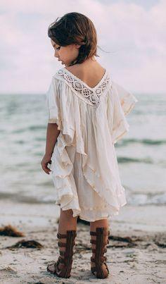 Little Boho Girl. Boho sandals Boho white flowy top is gorgeous! Little Girl Outfits, Little Girl Fashion, Look Fashion, Kids Fashion, Cheap Fashion, Look Boho, Bohemian Style, Little Fashionista, Stylish Kids