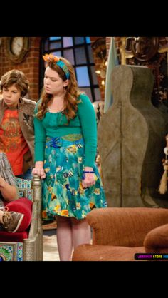 Tv Show Outfits, Cool Outfits, Jessie Tv Show, Jennifer Stone, Wizards Of Waverly Place, Suite Life, Legally Blonde, Girl Meets World, Main Character