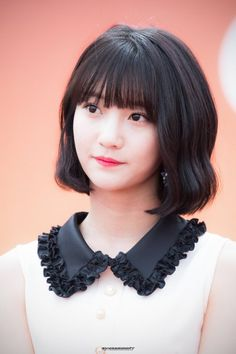 dedicated to female kpop idols. Kpop Girl Groups, Korean Girl Groups, Kpop Girls, Girls Twitter, Girl Short Hair, Best Face Products, My Baby Girl, Girl Crushes, Girl Photos