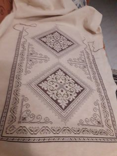 Embroidery Patterns, Cross Stitch, Quilts, Blanket, Embroidery, Needlepoint Patterns, Punto De Cruz, Seed Stitch, Quilt Sets