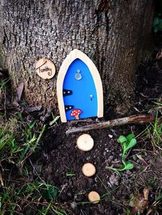 Did you know that all of our fairy doors are 100% weather proof? Fairy's absolutely love living outdoors!