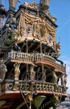 Aft of an antique pirate ship — Stockfoto #3424354