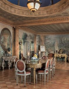 The Collection of Drue Heinz, London, at Christies. Winter Garden Room by Renzo Mongiardino. Ceiling Design, Wall Design, House Design, Mews House, House 2, Types Of Ceilings, Square Columns, Palmer House, Wainscoting Panels