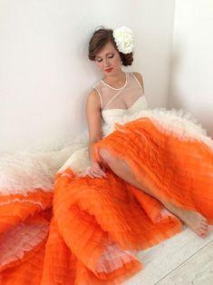 Non-traditional Beach Wedding Ideas to Escape the Clichés - Beach Wedding Tips Orange Wedding Colors, Orange Weddings, Dip Dye Wedding Dress, Non White Wedding Dresses, Bride Gowns, Wedding Inspiration, Wedding Ideas, Color Inspiration, Wedding Stuff