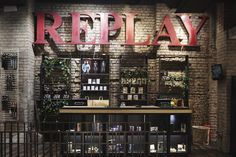 Replay store, Cologne store design