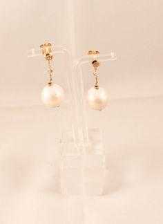 Pendientes de plata bañada en oro con perla y circonita.http://marberaltabisuteria.mitiendy.com/categorias/pendientes