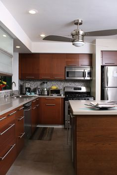 Love these cabinets.  Someday we'll redo the kitchen...