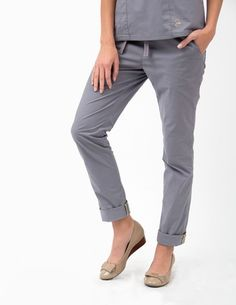The Skinny Pant in Graphite is a contemporary addition to women& medical scrub outfits. Shop Jaanuu for scrubs, lab coats and other medical apparel. Scrubs Outfit, Scrubs Uniform, Lab Coats For Men, Pilates, Top Gris, Work Uniforms, Medical Uniforms, Medical Scrubs, Nursing Scrubs