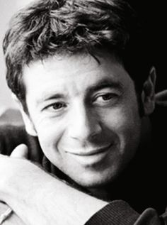 Patrick Bruel, one of France's great treasures. A gifted singer and brilliant actor. Star Francaise, Films Cinema, Celebrity Singers, French Man, Jean Luc Godard, Sensitive People, Famous French, Iconic Women, Bae