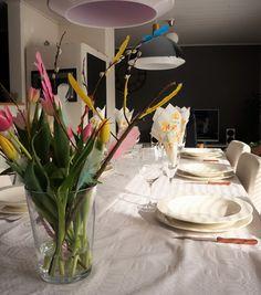 Puistolan bistro: Pääsiäismenu Table Decorations, Furniture, Home Decor, Decoration Home, Room Decor, Home Furnishings, Arredamento, Dinner Table Decorations, Interior Decorating