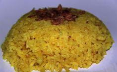 Sinning in Singapore: Recipe: Balinese-style Yellow Rice  -- with coconut milk, kaffir lime, lemongrass, shallots, garlic!  YUM!!!!