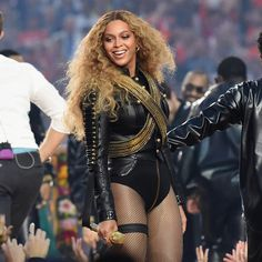 Beyonce Sues 'Feyonce' Merch Company Over Copyright Infringement Celebrity Houses, Celebrity Style, Kick Off Football, Super Bowl Weekend, Yolanda Foster, Red Lobster, Whitney Houston, Save The Day, The Smoke