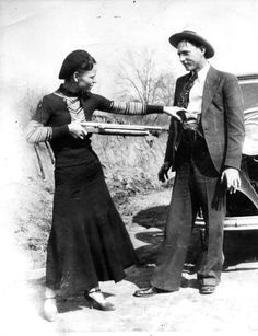 photos of bonnie and clyde | Bonnie-and-Clyde-Bonnie-Parker-and-Clyde-Barrow-1.jpg
