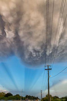 Nubes Mammatus  vistas el fin de semana pasado en Florida. Fotografía: Frank Delargy. #StormHour