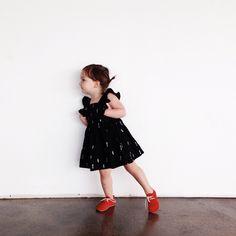 Esse sapatinho vermelho é um charme - Mama daughter date today! @wrenandjames @mylittlebelleville @zuziifootwear