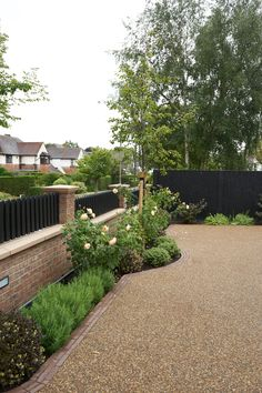 Front Garden Ideas Driveway, Driveway Edging, Resin Driveway, Resin Patio, Driveway Landscaping, Paver Edging, Gravel Driveway, Walkway, Small Front Gardens