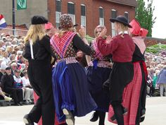 Pella,  IA Tulip Time - Dancing in the Street