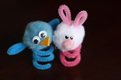 4 Easter finger puppets to make with your kids, or for your kids. They're super-cute, and so easy to make with pipe cleaners and pom poms.