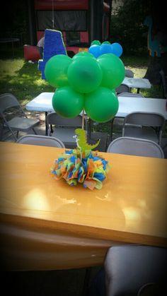 Dinosaur balloon centerpiece by Veronica