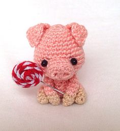 Willie the Pig pattern by Lan Lien
