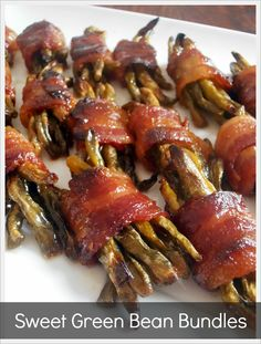 Sweet Green Bean Bacon Bundles at Jam Hands - I would definitively use fresh or frozen because generally canned veggies are usually yucky. Side Dish Recipes, Vegetable Recipes, New Recipes, Cooking Recipes, Favorite Recipes, Healthy Recipes, Family Recipes, Bacon Recipes, Healthy Eats