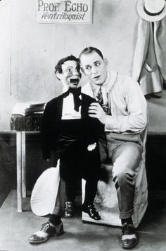 Tod Browning & Nemo, THE UNHOLY THREE (Tod Browning, 1925). Browning, Abraham Lincoln, Fictional Characters, Fantasy Characters, Brown Colors