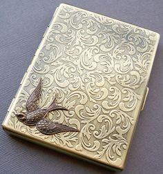 Victorian Sparrow Bird Gold Cigarette Case por LolaBeanClothing