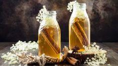 Originálne domáce sirupy: Vynikajúce sú do čaju, na pečenie aj proti kašľu Fromage Vegan, Smoothies, Kombucha Tea, Elderflower, Tea Infuser, Jamie Oliver, Candle Jars, Honey, Nutrition