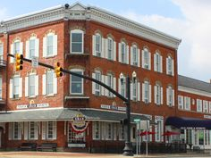 This historic hotel can sleep up to six, so round up the whole family for a lakeside getaway.  The Destination The pretty, waterfront town of Port Clinton has long been the gateway to good times on the shores...