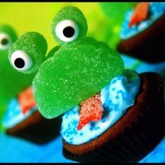"Check out these cute ""Frog Brownie Bites""! so cute have to make them!!!"