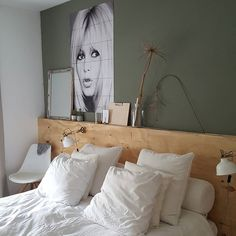 50 Amazing Modern Bedroom Decoration Ideas with Luxury DesignYou can find Luxury designer and more on our Amazing Modern Bedroom Decoration Ideas with Luxury Design Hotel Bedroom Design, Modern Bedroom Decor, Cozy Bedroom, Contemporary Bedroom, Modern Room, Interior Design Living Room, Master Bedroom, Bedroom Designs, Bedroom Brown