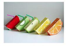 おいしそうなパッケージデザイン。  食品のパッケージって、大体において、その商品をわかりやすく表現しているもの。  そしてそんな数あるパッケージデザインの中でも、視覚的にわかりやすく、つい手に取りたくなってしまうようなデザインがありました。オーストラリアのYunyeen Yongさんが、学生の時にデザインしたパッケージは、果物を輪切りにしたような紙パックのジュースのデザイン。  コンセプトデザインなので、実際には販売されていはいませんが、子どもはもちろん大人も、こんな可愛らしいパッケージのジュースなら、きっと欲しくなってしまうに違いありません。