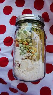 Meals in a Jar for emergency preparedness. This is like making your own MRE's (that will feed a whole family!) Just add water!