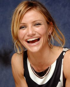 """# Cameron Diaz # smile # celebrity  """"What we women need to do, instead of worrying about what we don't have, is just love what we do have.""""   Cameron Diaz"""