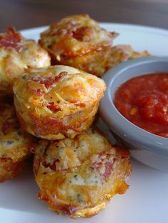 Pepperoni Pizza Muffins - Recipes, Dinner Ideas, Healthy Recipes & Food Guide