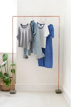 DIY: clothing rack
