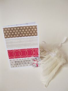 Cartes de voeux / Noël scrapbooking clean & simple, bandes de papiers de couleurs. / Scrapbooking christmas / wishes cards, coloured paper stripes.  https://www.facebook.com/lesmainsbaladeuses/