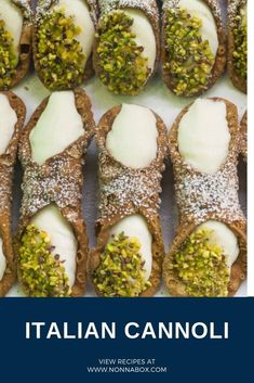 Cannolis are one of the most famous Italian desserts. They consist of crunchy fried cylinders filled with ricotta cheese, sugar and, depending on the version, chocolate drops and pistachios crumbs. Take your palate to Sicily with this cannoli recipe. Italian Pastries, Italian Desserts, French Pastries, Authentic Italian Cannoli Recipe, Italian Cannoli Cream Recipe, Cannoli Filling, Italian Cookies, Cookies Et Biscuits, Dessert Recipes