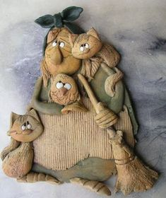 Moje dvojnice :-D / Zboží prodejce Jarmila Všetičková | Fler.cz Clay Wall Art, Clay Art, Pottery Sculpture, Sculpture Clay, Porcelain Clay, Cold Porcelain, Diy Clay, Clay Crafts, Paperclay